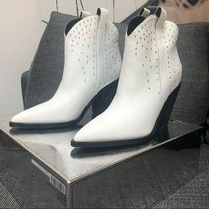 Sigerson Morrison White Kalie Boots Size 9- NWT